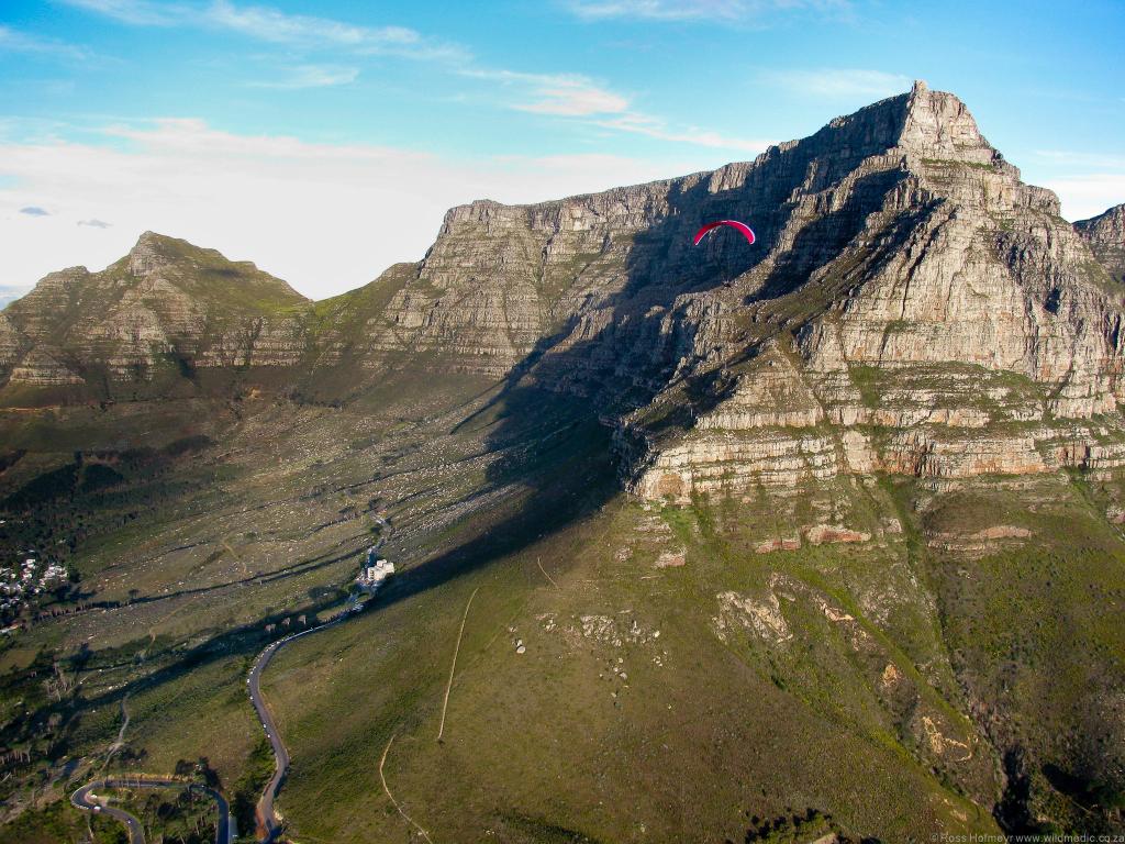 Crossing towards Kloof Corner on Table Mountain